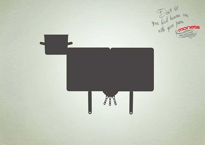 Anuncio de Moneta. Una vaca hecha con paellas y ollas de cocina.