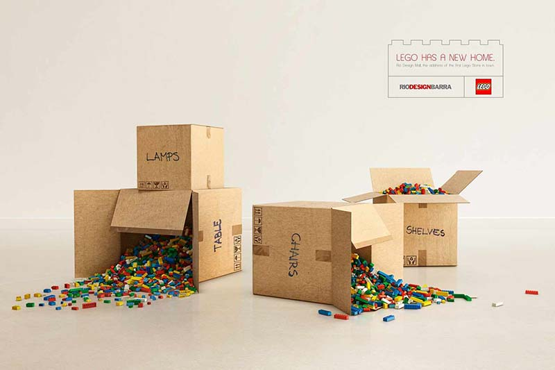 Anuncio de Rio Design. Cajas de mudanza llenas de LEGO.