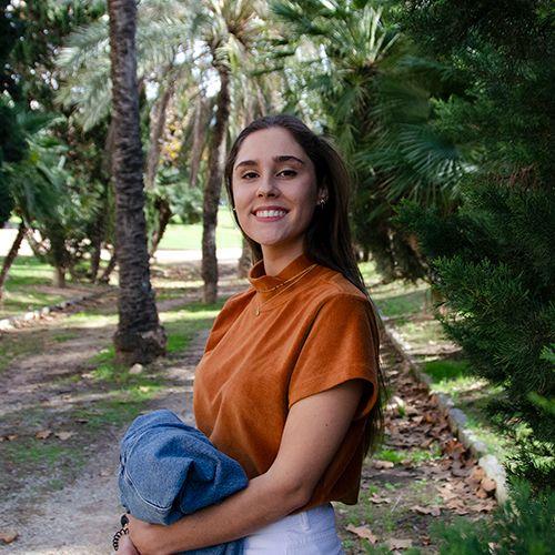 Elena Lucas